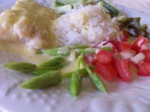 filet de cabillaud sauce citronnelle et asperges sauvages