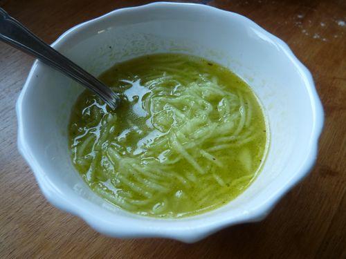 soupe glacée de concombre et orange